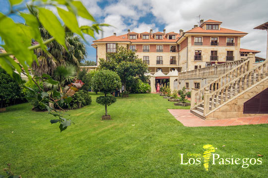Disfruta de una escapada a tope de relax con una noche con desayuno y cena buffet en el hotel Villa Pasiega ¡Con circuito antiestrés y acceso libre a Spa!