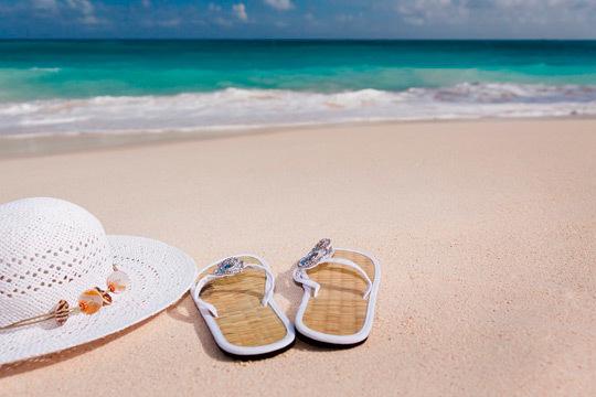 ¡Disfruta de vacaciones en familia este agosto! 7 noches en régimen de pensión completa en Comarruga para 2 adultos y 1 o 2 niños