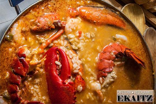 Disfruta de un fantástico menú de seis platos en el corazón de la Parte Vieja donostiarra en el Restaurante Ekaitz