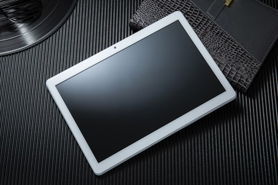 Tablet de 10.1 pulgadas Withtech 3G con Teléfono Android 9 GPS en color plata o negro ¡Con cristal templado y funda!
