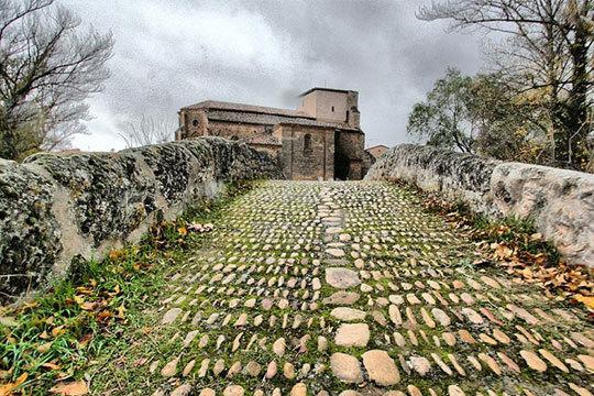 Disfruta del encanto de la provincia de Burgos con una escapada rural a Lences de Bureba ¡Cerca del jardín secreto de Oña!