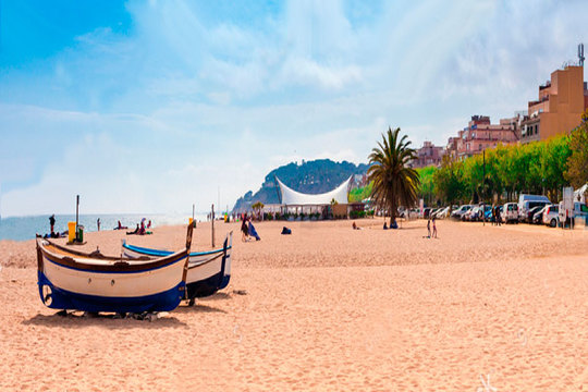 ¡Este año vacaciones en la Costa del Maresme! Estancia de 7 noches en hotel 3* para 2 adultos y 1-2 niños