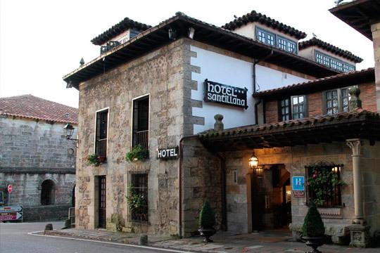 Disfruta de 1 a 3 noches con desayunos y aperitivo en el Hotel Santillana ¡Descubre el encanto de Cantabria!