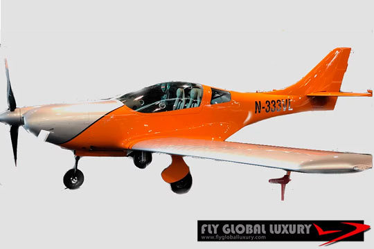 Ponte en las manos de los pilotos de Fly Global Luxury y recorre a vista de pájaro El Escorial, Pantanos, La Sierra de Madrid, Toledo... ¡1 hora de vuelo!