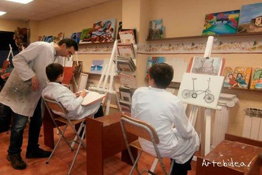 Explota tu lado creativo este verano con las clases particulares intensivas en Arebidea ¡Descubre el artista que llevas dentro!