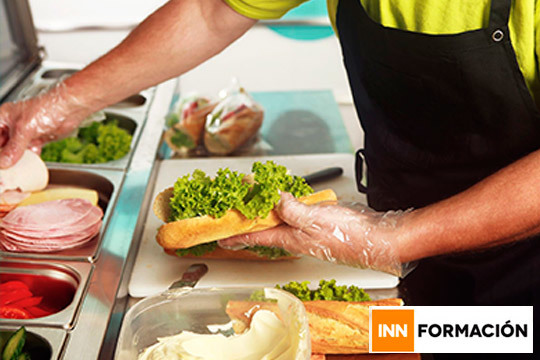 Si te apasiona el mundo de la cocina y quieres trabajar en ello, necesitas el carnet de manipulador de alimentos ¡Hazte con el tuyo en este curso de 80 horas!