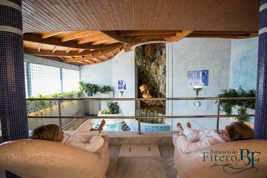 Estancia de 1, 2 o 3 noches en el Baneario de Fitero ¡Noche con desayuno + psicina hidrotermal + libre acceso a piscina exterior!