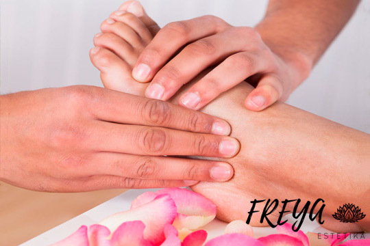 Elimina el estrés y el cansancio con una hidratación profunda de tus pies en Freya Estetika ¡Con masaje y exfoliación!