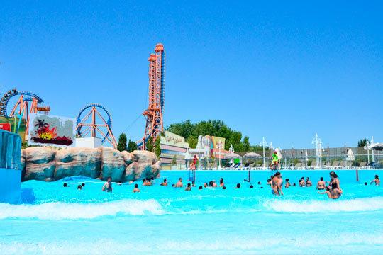 Días de emoción y aventura en la Warner ¡Incluye 2 noches de hotel, a mediados de julio!