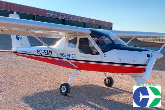 Disfruta de un vuelo en avioneta por los preciosos cielos de Badajoz ¡Un regalo perfecto para los más aventureros!