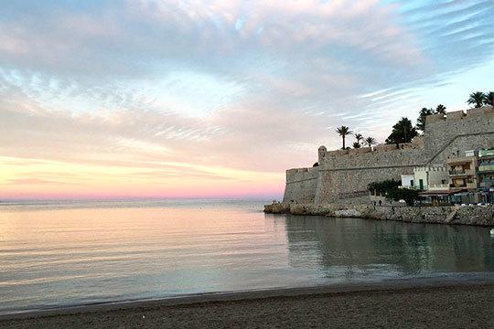 En julio descansa unos días en la Costa de Azahar ¡7 noches en el hotel Agora de Peñíscola!