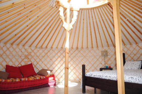 ¡Disfruta de un noche viendo las estrellas en Tafalla! Estancia de 1 o 2 noches + detalle de bienvenida en una yurta mongol con el techo abierto