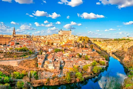 ¡Una experiencia inolvidable! Vuela por el cielo de Toledo en una avioneta Tecnam P92 para una persona