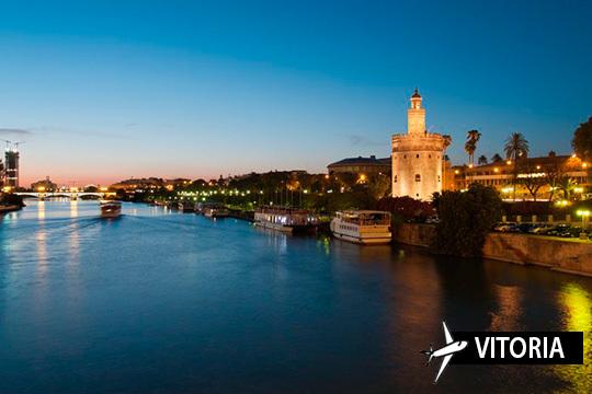 ¡La época más bonita del año en Sevilla! Estancia de 4 noches con desayunos y vuelo desde Vitoria
