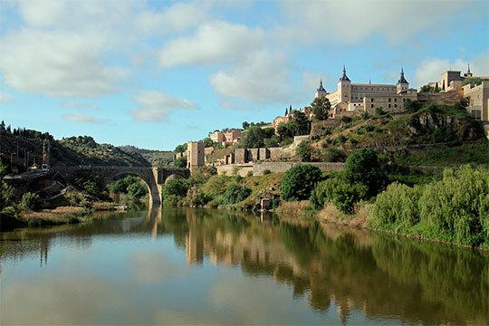 ¡Elige turismo nacional el Día de los Enamorados! Estancia de 2 noches en Toledo en el Hotel Conquista de Toledo, María Cristina o similar