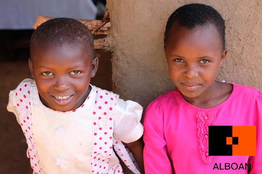 En la mayoría de las regiones de África, las niñas tienen escasas oportunidades de ir a la escuela: Colabora con la Fundación Alboan para proporcionarles una educación de calidad ¡Las niñas podemos ser lo que soñemos!
