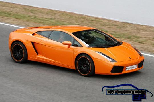Conduce un Ferrari F430 F1, un Lamborghini Gallardo o un Porsche Boxter Cup ¡Vibrarás con el rugir de los motores!