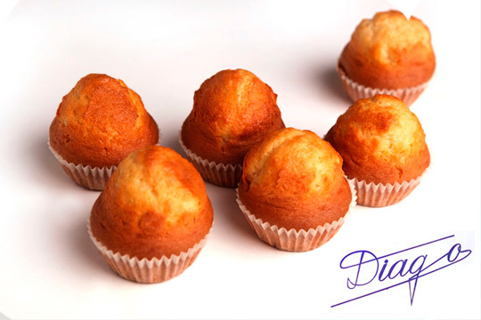 Para desayunar, como tentenpié, para merendar... cualquier ocasión es buena ¡Magdalenas 100% caseras de la Pastelería Diago!