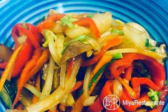 Menú especial vegetariano en Miya Oriental ¡Nuevos sabores!
