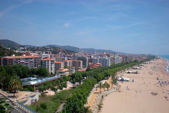 El 1 de julio comienzan tus vacaciones en el Mediterráneo ¡Con 7 noches en pensión completa en el hotel Terramar o Cheking Pineda!
