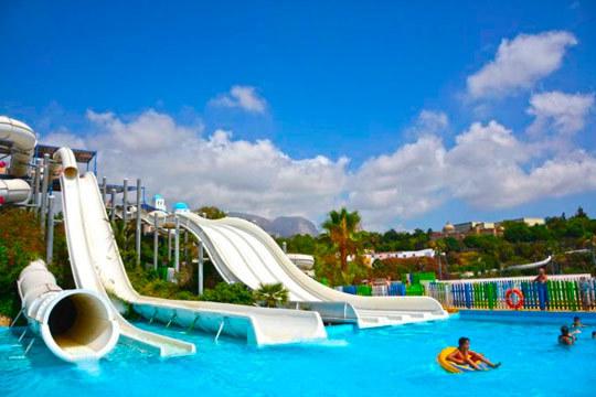 Disfruta de un día en familia con las mejores atracciones de agua ¡Pásatelo en grande en Aquanatura Benidorm!