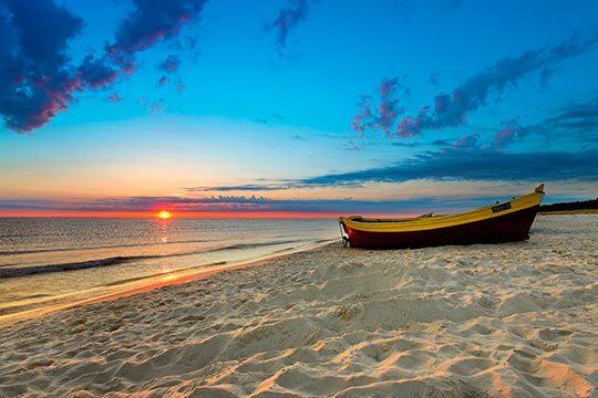 Disfruta de la belleza de la costa de Azahar con una escapada de 7 noches en los apartamentos Costa Azahar u Oropesa Playa 3000 ¡Capacidad para hasta 4 personas!