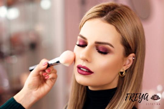 Sesión de maquillaje exprés o para eventos ¡Ponte guapa!