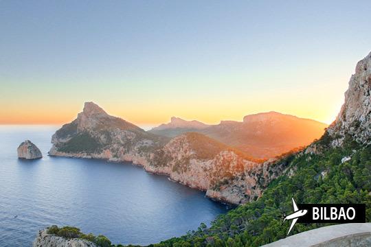 Viaja a Mallorca y relájate en la playa con 7 noches de hotel en media pensión ¡Y vuelo de Bilbao!