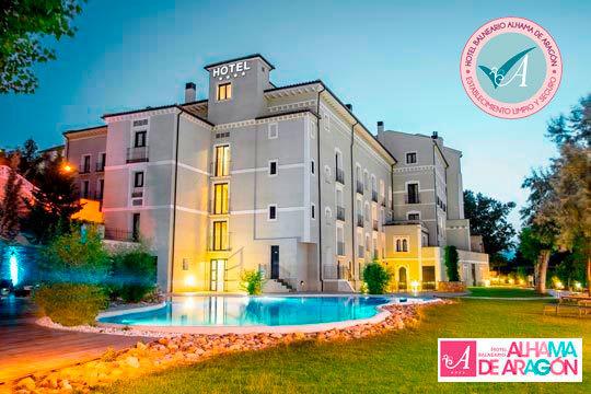 Disfruta de una Noche + Piscina termal + Circuito de contrastes + Comida o Cena en el Hotel Balneario de Aragón