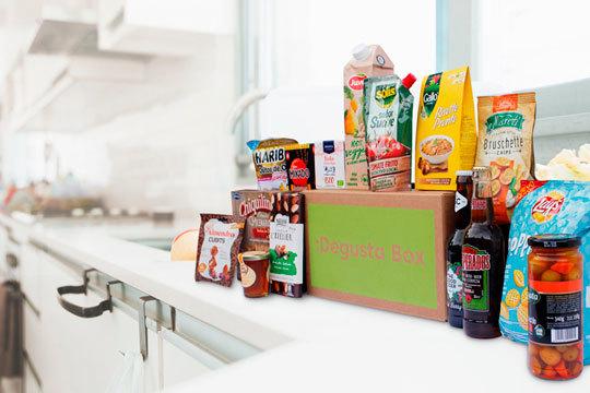 Descubre nuevos sabores con la caja Degusta Box, ahórrate dinero en tu compra mensual y tiempo en el super. ¡Te la enviamos cómodamente a casa!