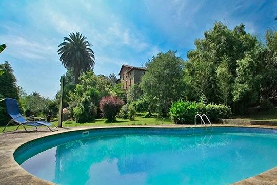 Vive una escapada romántica e inolvidable en una casa colonial del siglo XVIII de Cantabria ¡En B&B El Jardín de Aes!
