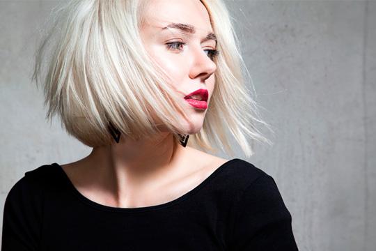 ¡Simplifica tu día a día y olvídate de alisarte el pelo! Tratamiento hidratante y antiencrespamiento con Ácido Hialrónico