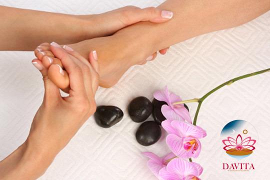 Elimina la tensión acumulada gracias a una sesión de 50 minutos de reflexología podal ¡Añade un masaje craneal para un bienestar completo!