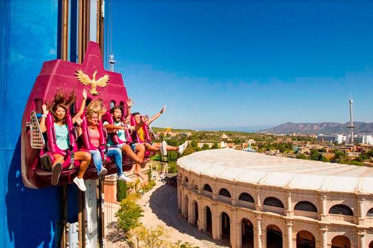 Disfruta de un día de pura adrenalina en el parque temático Terra mítica ¡En Benidorm!