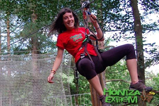 Disfruta de un parque de aventuras para toda la familia en Hontza Extrem ¡Entradas para niño, adolescente o adulto!