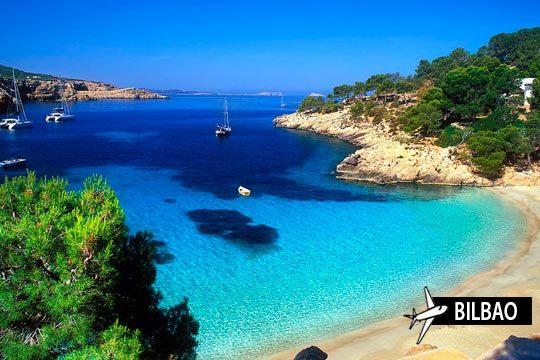 Disfruta del verano, del sol y de la fiesta en Ibiza ¡Vuelo desde Bilbao y 7 noches en media pensión!