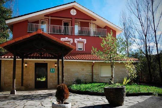 Relájate en los fabulosos paisajes de Cangas de Onís con 7 noches en régimen de alojamiento y desayuno o media pensión ¡Elige el que mejor se adapte a tus vacaciones ideales!