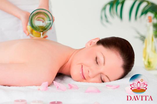 Disfruta de una experiencia relajante de pies a cabeza con el masaje ayurvédico Abhyanga ¡En el centro DaVita!