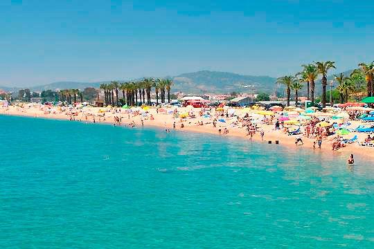 Disfruta de unas merecidas vacaciones en la Costa del Maresme en el mes de agosto ¡7 noches en pensión completa!