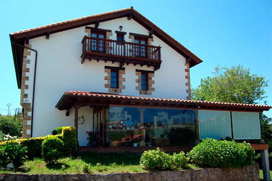 1 o 2 noches con desayunos en la posada La Estela Cántabra ¡Entre Santillana del Mar y Comillas!
