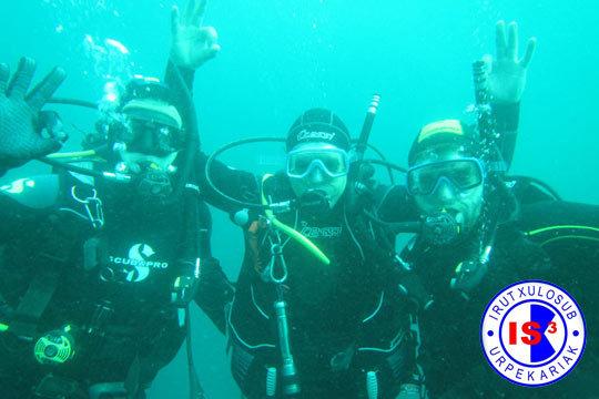 Descubre el buceo y engánchate al mar con el Club Deportivo IrutxuloSub ¡Tienes cursos de todos los niveles!