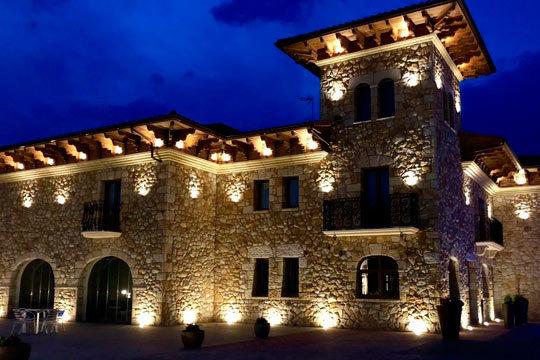 Alójate en el precioso Hotel Palacio Torre Galizano y descubre los mejores paisajes de Cantabria ¡En habitación premium con jacuzzi!