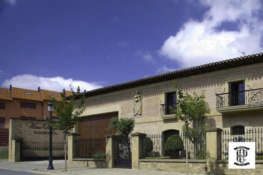 Visita a las Bodegas Perica con degustación de ibéricos, cata de vino Crianza Olagosa y botella de vino ¡El plan enológico perfecto!