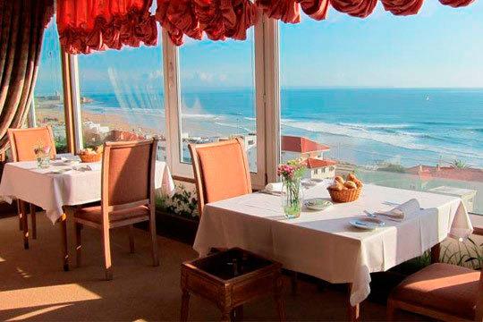 ¡Relájate en la fascinante costa de Lisboa! 3 o 4 noches con desayuno en el Hotel Praia Mar en Semana Santa
