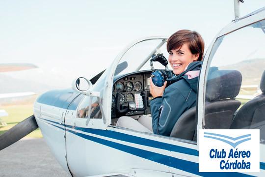 ¡Vive una experiencia única! Clase práctica en ultraligero con vídeo y fotos del vuelo para que recuerdes esta aventura para siempre