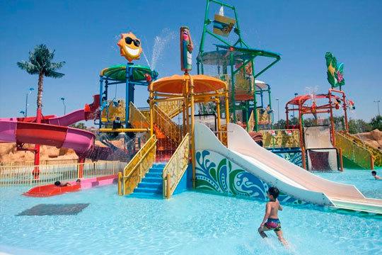 Disfruta de magníficas atracciones, espectáculos, toboganes, piscinas y más. Compra tu entrada para Isla Mágica con opción a Agua Mágica ¡Para niño o adulto!