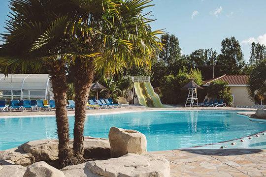 ¡Fin de semana en las Landas! Disfruta de una estancia inolvidable en el Camping Mayotte Vacances 5*, en un entorno natural perfecto para el relax