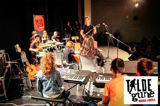 Iniciación a la música para los niños de 6 a 12 años en Talde Gune Musika Eskola ¡Con audición final para que acudan los familiares!