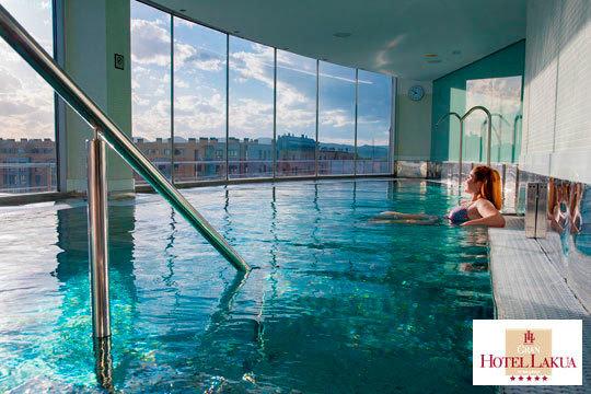¡Escapada de lujo a Gasteiz en el Gran hotel Lakua! Noche en habitación con desayuno continental y Spa de 60 minutos