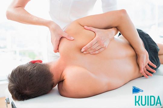 Alivia tensiones con el masaje descontracturante con fisioterapéuta de Kuida ¡30, 60 o 90 minutos!